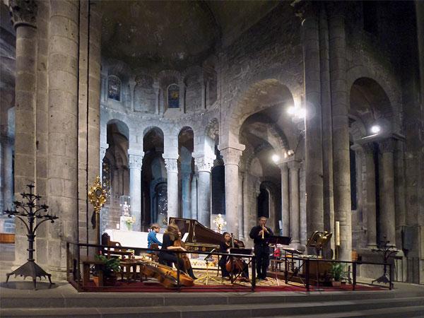 Choeur de la basilique d'orcival